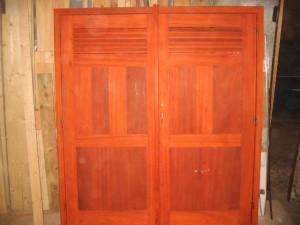 Menuiseries bois sur mesure dans Menuiseries bois sur mesure bebe-003-300x225