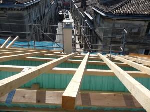 Ossature bois et charpente dans Ossature bois et charpente chantier-300x225