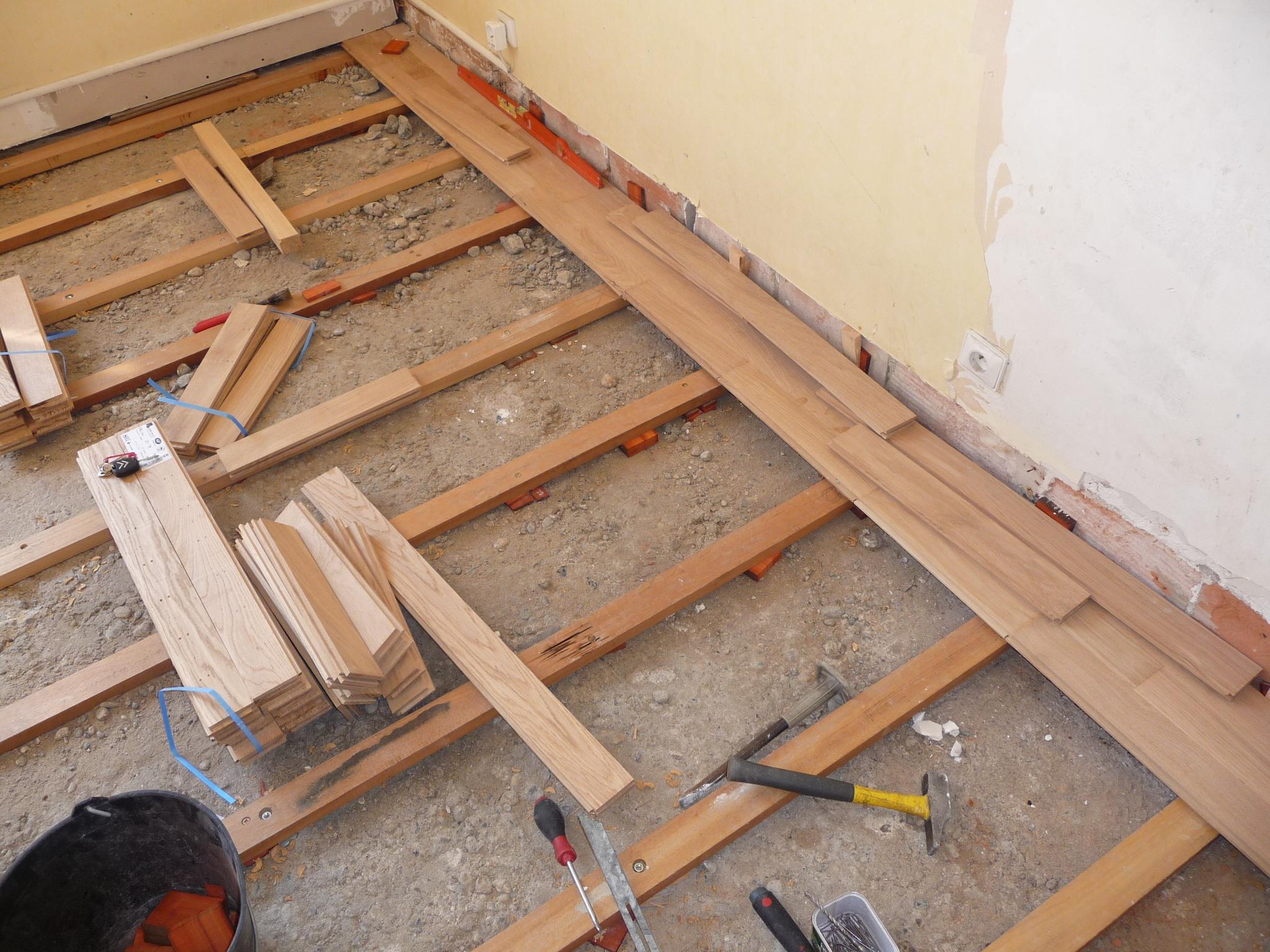 Parquet clou coll flottant chantiers architectes et for Retirer colle moquette sur beton